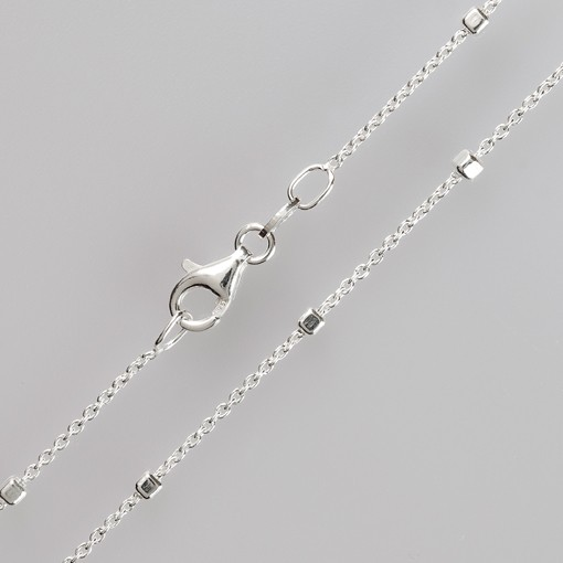Silberkette mit Würfel