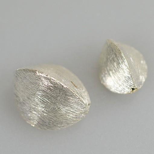 Oval Bead, Triangular