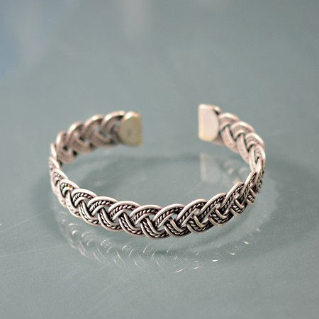 Bracelet, Braided