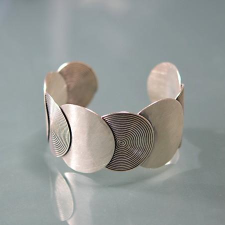 Bracelet, Spiral